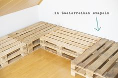 Palettensofa Diy Pallet Couch, Diy Couch, Diy Pallet Furniture, Outdoor Cabana, Diy Home Crafts, Wooden Pallets, Decoration, Betta, Indoor