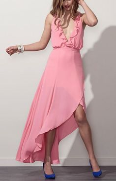 Get 10% off killer evening dresses at Fame and Partners with code STUDENTSHOTOUT