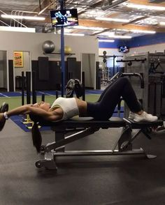 """2,626 Likes, 21 Comments - Alexia Clark (@alexia_clark) on Instagram: """"PLATE CIRCUIT hitting core, glutes, shoulders and back! 1. 20 reps each side 2. 15 total reps of…"""""""