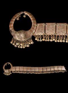 Philippines - Mindanao Island or Lanao del Sur | Man's belt; brass, silver.  Maranao people.  // ©Quai Branly Museum. 71.1994.10.84