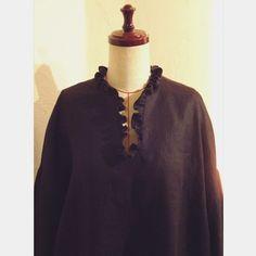COCOdake COutureはInstagramを利用しています:「Black Ruffle neck Blouse Drop shoulder Balloon Sleeves Oversized shirt Top US 8 - US 9 Large FALL 2019 F/W COCOdake COuture * * * #fashion…」 Ruffle Neck Blouse, Black Ruffle, Oversized Shirt, Couture Collection, High Neck Dress, Shoulder, Sleeves, Shirts, Shopping