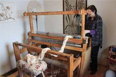 Heidin Iloinen Käsityökulma: Loimen laittaminen kangaspuihin 1/3: Loimen kiertäminen tukille Bunk Beds, Toddler Bed, Weaving, Crafts, Handmade, Furniture, Home Decor, Craft Ideas, Farmhouse Rugs