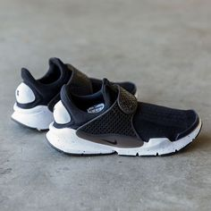 Our Vancouver Chinatown & LSE Gastown locations are now fully stocked up with sizes in the Black / White Sock Dart SE | http://deadstock.ca