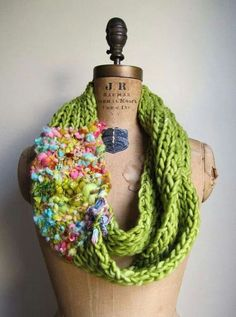 A great use for a small amount of art yarn/chunky handspun.