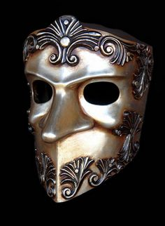 BAUTA BAROQUE VENICE MASK  Material	Resin Size	1.54 Length (cm)	39.00 Width (cm)	33.00 Height (cm)	50.00 Length (inch)	15.35 Width (inch)	12.99 Height (inch)	19.69 CBM	0.06 Weight (kg)	4.00