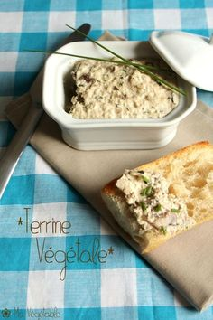 Terrine végétale graines et champignons Vegetarian Day, Vegetarian Recipes, Healthy Recipes, Healthy Food Alternatives, Vegan Appetizers, Gluten Free Cooking, Tofu, Nutrition, Food And Drink