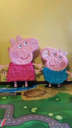 "Not smart to beat up your kids' favorite cartoon characters.""Peppa Pig and George Pig Party Pinata"" Peppa Pig Pinata, Fiestas Peppa Pig, Cumple Peppa Pig, 2 Birthday, 4th Birthday Parties, Birthday Ideas, George Pig Party, Party Decoration, Baby Party"