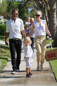 Gwen and Gavin drop this kids off to have a quiet Father's Day dinner together