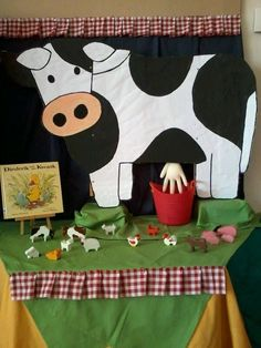 Milk The Cow Dramatic Play - Farm Animal Crafts, Farm Crafts, Farm Animals, Kids Crafts, Diy With Kids, Milk The Cow, Farm Activities, Preschool Farm, Preschool Themes