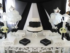 Aluguel Decoração Para Festa de 15 Anos Preto e Branco Chanel Party, Panda Party, 18th Birthday Party, 50 And Fabulous, Candy Buffet, Quinceanera, Kids And Parenting, Sweet 16, Party Planning