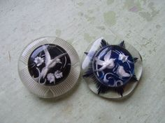 French carved bird buttons
