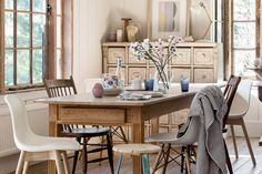 Rustic Floral Dining Room Decor