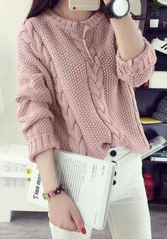 New knitting pullover outfit jumpers Ideas Cardigan Fashion, Knit Fashion, Sweater Outfits, Fashion Outfits, Pink Sweater, Knitting Designs, Knitting Patterns Free, Baby Knitting, Pull Torsadé