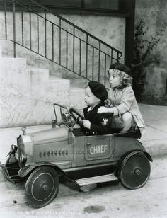 An adorable gallery of young drivers and their pedal cars. A tribute to the mothers of little auto enthusiasts across the nation! Vintage Children Photos, Vintage Pictures, Old Pictures, Vintage Images, Old Photos, Photo Vintage, Vintage Cars, Vintage Style, Pedal Cars