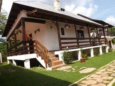 casa olteneasca traditionala - Google Search Deck, Cottage, Traditional, Country, Garden, Outdoor Decor, Google Search, Wooden Houses, Home Decor