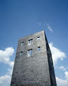 VAN DEN VALENTYN ARCHITEKTUR — Rosellenturm, Neuss