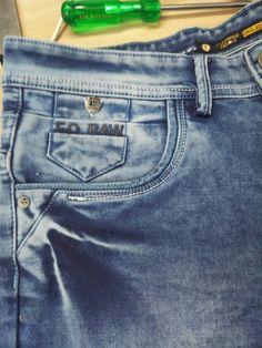 5 Pocket Jeans.