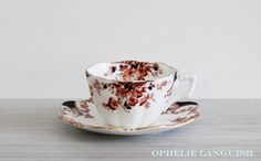 Vintage Hand Painted Tuscan China England 6470 Black, Brown, Burnt Sienna Imari Inspired Tea Cup and Saucer - Made in England available at Ophélie Languish. home, living, dining, kitchen, serveware, drinkware, tuscan china, england, english, tea party, tea cup, saucer, set, brown, burnt sienna, imari, floral, gold, ornate