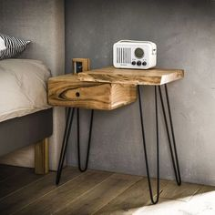 Industrial Bedside table Edge R - Solid Acacia wood - Furnwise Live Edge Tisch, Live Edge Table, Bedside, Nightstand, Modern Furniture Stores, Industrial Design Furniture, Boho Room, Woodworking Furniture, Eclectic Decor