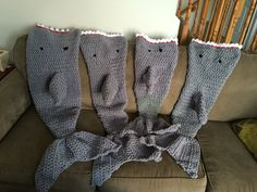 These unique and comfy lapghans are perfect for cool nights. Love Crochet, Crochet Hats, Owl Blanket, Mermaid Tail Blanket, Crochet Projects, Stitch, Sharks, Blankets, Full Stop