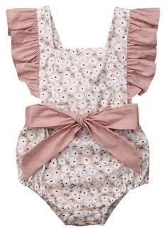 Newborn Baby Girls Romper Floral Ruffle Fly Sleeve Bowknot Bodysuits Boho Jumpsuit(A - Pinkbeige, Months): Clothing Ruffle Romper, Baby Girl Romper, Floral Romper, Baby Girl Newborn, Baby Girls, Cute Rompers, Girls Rompers, Pink Outfits, Fashion Outfits