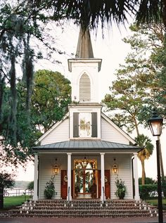 What a beautiful chapel for someone's wedding. It's in Palmetto Bluff South Carolina. What a beautiful chapel for someone's wedding. It's in Palmetto Bluff South Carolina. Old Country Churches, Old Churches, Chapel Wedding, Church Wedding, Wedding Chapels, Wedding Ceremony, Wedding Venues, Dream Wedding, Post Wedding