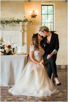 40 Chic Bridal Outfits For Same Sex Weddings Lesbian Wedding Photos, Lesbian Wedding Photography, Cute Lesbian Couples, Lgbt Wedding, Wedding Portraits, Muslim Couples, Bridal Photography, Life Photography, Wedding Pictures