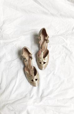 Presence of Love Heels / vintage 1930s heels / 30s wedding shoes