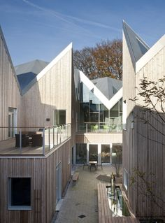 Centre For Cancer And Health / Nord Architects