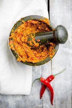 Rote Thai Curry Paste selber machen - www.kuechenchaotin.de