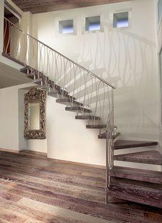 Escalera volada en L (estructura de metal y peldaños de madera) OPEN WOODEN Marretti