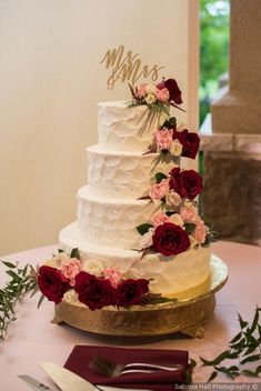 Burgundy and Gold Wedding Cake - Buttercream Wedding Cake {Sabrina Hall . - Burgundy and Gold Wedding Cake – Buttercream Wedding Cake {Sabrina Hall Photogra … - Blush Wedding Cakes, Big Wedding Cakes, Rustic Wedding Cake Toppers, Buttercream Wedding Cake, Floral Wedding Cakes, Beautiful Wedding Cakes, Western Wedding Cakes, Floral Cake, Perfect Wedding