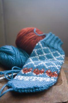 My latest project #knittingpatterns  #knittinginspiration #knittersofinstagram #knittingforbeginners #strikking #strikke #strikkedilla #strikkeinspo #houseofyarn_norway Knitted Hats, Beanie, Knitting, Fashion, Moda, Tricot, Fashion Styles, Breien, Stricken