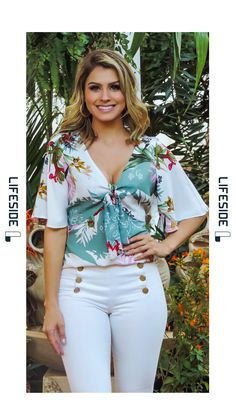 LIFESIDE | Moda Feminina Preview Primavera 2018. #Fashion  #ModaFeminina #LookDoDia #Looks #ModaPrimaveraVerao #Lifeside #Lookbook Spring Summer 2019 Lookbook #Moda #Fashion  #OOTD #SpringSummer2019 #Look #Estilo #Style Teen Fashion, Fashion Outfits, Womens Fashion, Moda Chic, Girls Blouse, Western Outfits, Trendy Tops, Office Outfits, Feminine Style