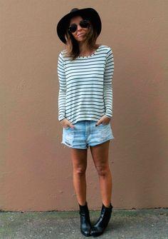 Look shorts jeans + blusa listrada