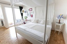 KAH says: Karlplatz flat on airbnb - Get $25 credit with Airbnb if you sign up with this link http://www.airbnb.com/c/groberts22
