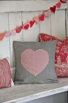 Easy Heart Envelope Pillow  @Florencia Lebensohn-Chialvo Carballo ja Wilson a here are some valentines things we can do on craft day!