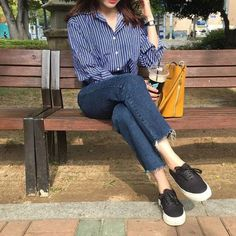 Start this year with an ulzzang outfit ✨ 패션 fashion, fashion Korean Fashion Trends, Korea Fashion, Asian Fashion, Look Fashion, Fashion Design, Fashion Photo, Womens Fashion, Classy Outfits, Casual Outfits