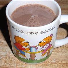 Horký karob (čokoláda) !!!!!!!!!!! 1 šálek mléka 1 polévková lžíce rohovník prášek 1 lžíce medu 1 čajová lžička vanilkový extrakt kombinují mléko a rohovník prášek v malé pánvi na mírném ohni, šlehání aby se odstranily všechny hrudky. vmíchejte med a vanilkový extrakt. pokračuje se v zahřívání na požadovanou teplotu.