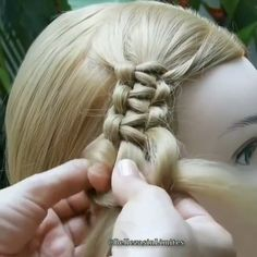 The Best Hair Braid Styles Hey girls! Today we are going to talk about those gorgeous braid styles. I will show you the best and trendy hair braid styles with some video tutorials. SEE DETAILS. Try On Hairstyles, Box Braids Hairstyles, Braided Hairstyles For Long Hair, Braided Hairstyles Tutorials, Everyday Hairstyles, Hair Upstyles, Hair Videos, Hair Hacks, Hair Trends