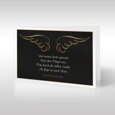 Die filigrane schwarze Trauerkarte zeigt ein anmutiges Flügelpaar mit einem passenden Trauerzitat unterhalb der Grafik. Wie gold glänzende, in Wellen geschlagene Bänder wird dieses anmutige Flügelpaar mit Leichtigkeit auf den schwarzen Hintergrund geworfen. Flügel symbolisieren seit jeher das Himmlische, Gute und Lichte oder auch das Auffahren der Verstorbenen in den Himmel. https://www.design-trauerkarten.de/produkt/engelsfluegel-1/