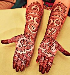 Muslim mehndi designs is how everyone starts with mehndi. Here're 14 mint muslim mehndi designs to try! Cross Tattoo Designs, Tattoo Designs For Girls, Mehndi Designs For Hands, Tattoo Designs Men, Henna Designs, Tattoo Band, 1 Tattoo, Tattoo Motive, Ancient Tattoo