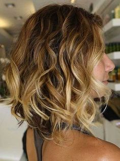 Wavy Bob Hair with Blonde Ombre