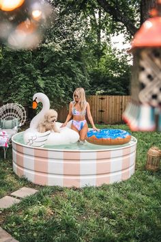 How To Paint Your Stock Tank Pool with pink and white stripes Stock Pools, Stock Tank Pool, Nashville, Backyard Projects, Backyard Patio, Pool Garden, Pool Diy, Diy Swimming Pool, Kiddie Pool