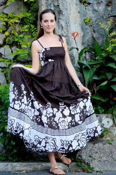 Vintage 70s... you can not miss in your wardrobe for a summer evening! BLACK AND WHITE LINE www.lisegioia.com