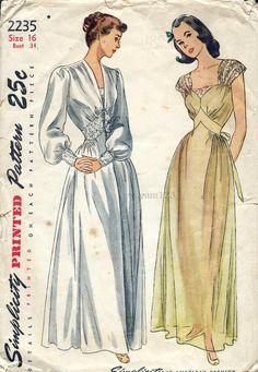 Vintage 1947 Sweetheart Neckline Lace Strap Floor by sydcam123, $20.00