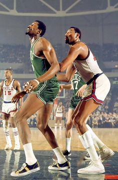 Bill Russell and Wilt Chamberlain April 1968 Two giants of the NBA, Bill Russell of the Boston Celtics boxes out Wilt Chamberlain of the during a game in Philadelphia. Michael Phelps, Michael Jordan, Sport Basketball, Basketball Legends, Basketball Players, Basketball Jones, Celtics Basketball, Basketball Cards, Coach Carter