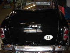 Peugeot 403 als Limousine in Essen