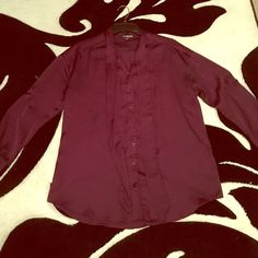 Women's Express dress blouse Women's oversized plum dress top easy to wear to work with some leggings and cute shoes :) Express Tops Blouses