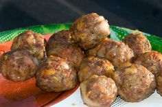 Smoked Bacon, Beef and Cheddar Meatballs http://blog.americanspice.com/